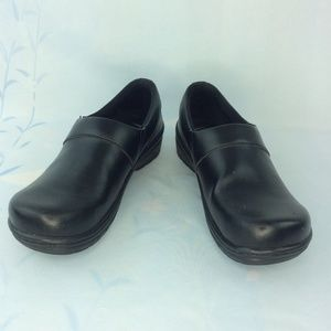 Klogs Mission Slip on Shoe Size 10.5